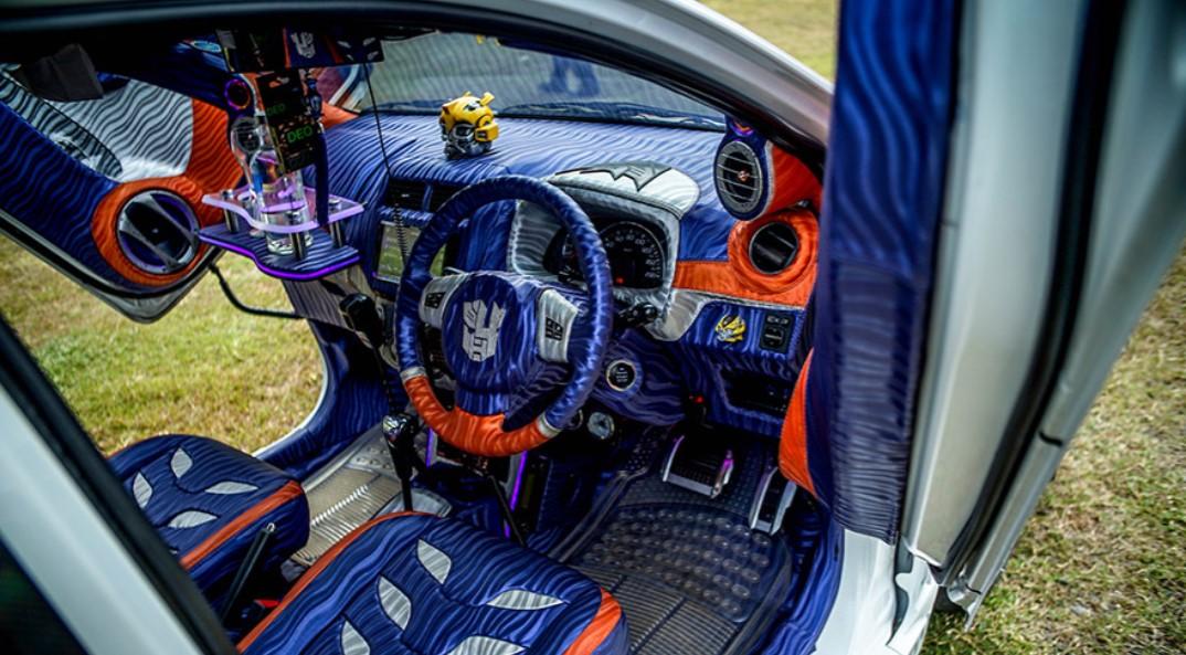modifikasi interior mobil agya