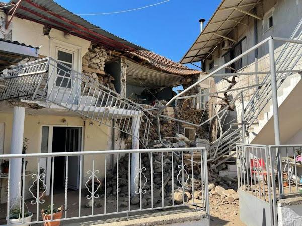Σεισμός στην Ελασσόνα: Κατέρρευσε σπίτι αλλά και τοίχος σε σχολείο