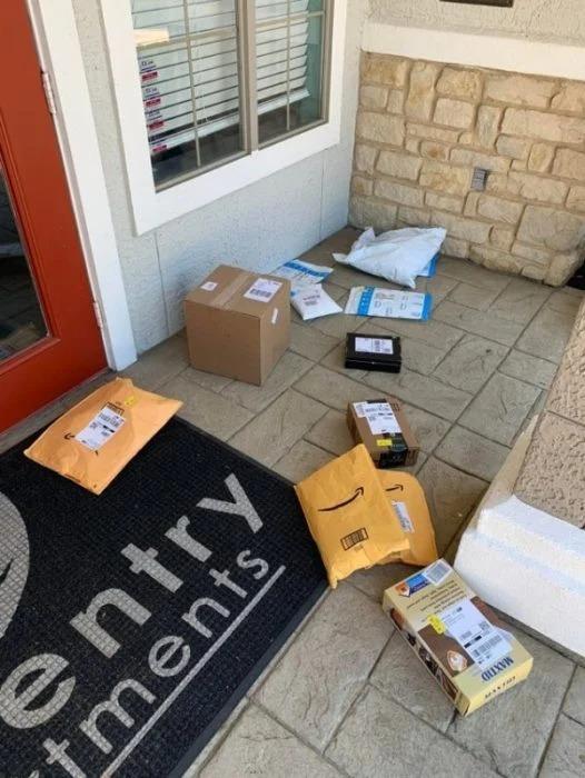18 Repartidores que cumplieron en entregar el paquete pero en muy malas condiciones