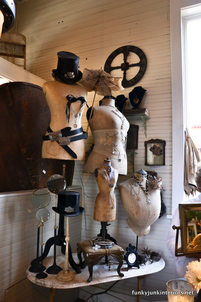 Vintage_busts_in_A_tour_through_Franklin,_Tennessee _via_Funky_Junk_Interiors