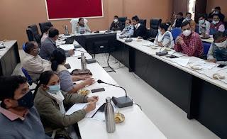 स्वास्थ्य समिति की बैठक मे कलेक्टर ने काम में कोताही पर कडी नाराजगी व्यक्त की