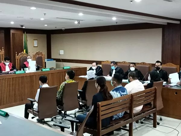 Di Persidangan, Majelis Hakim Pertanyakan soal Kapasitas Ngabalin Ikut Edhy Prabowo ke Hawaii