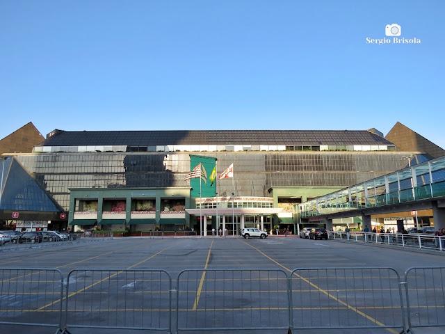 Vista ampla da fachada Oeste do tradicional Shopping Eldorado - Pinheiros - São Paulo