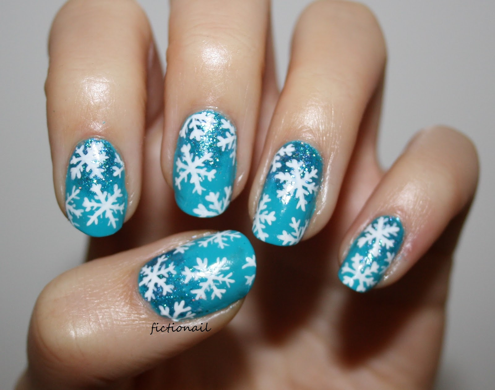 How To Snowflake Nails - Nail Ftempo