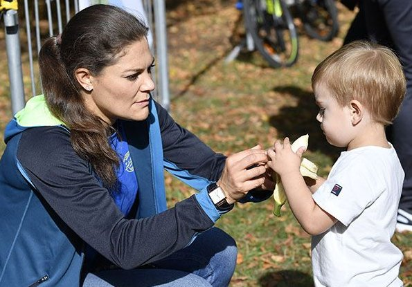 Crown Princess Victoria. Princess Estelle's all outfit are from Gen Pep's collaborator, H&M. Prince Oscar