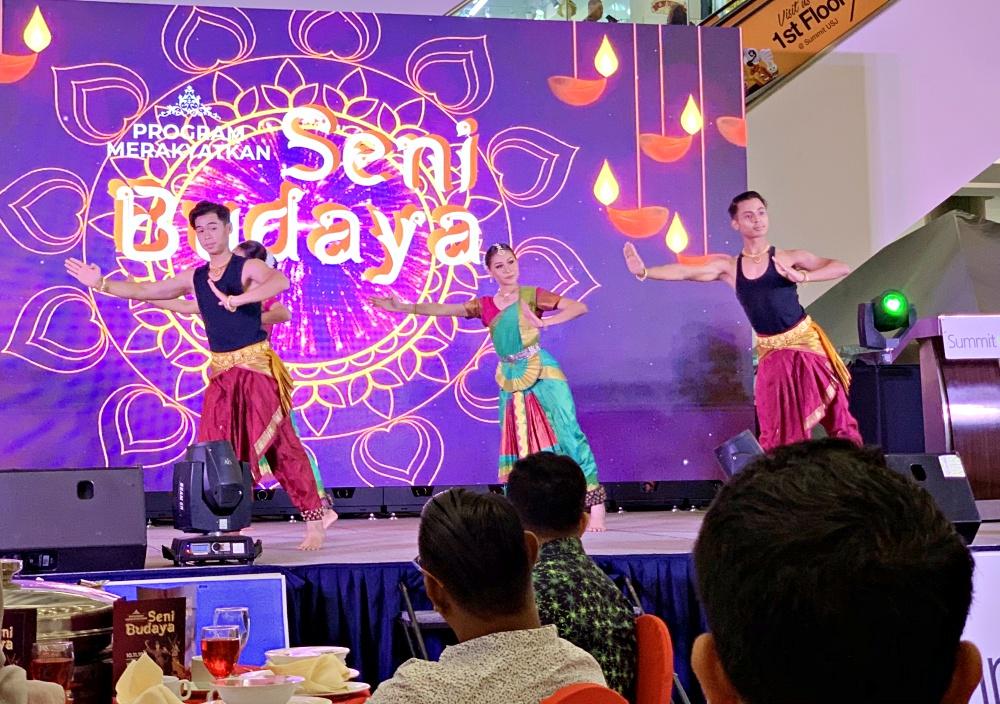 Merakyatkan Seni Budaya, Pertubuhan Ikatan Muafakat Serumpun, Love Your Culture, Back to Basic, Rawlins GLAM, Visit Malaysia 2020