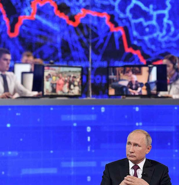 Os índices econômicos caem e a popularidade também. Putin tentou tranquilizar respondendo em direto pela TV