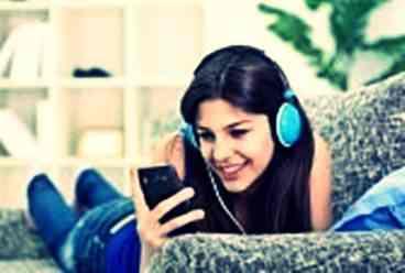 Gambar manfaat mendengarkan musik bagi manusia