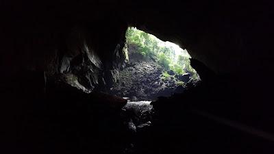 Lubang gua Lagang di langit langit