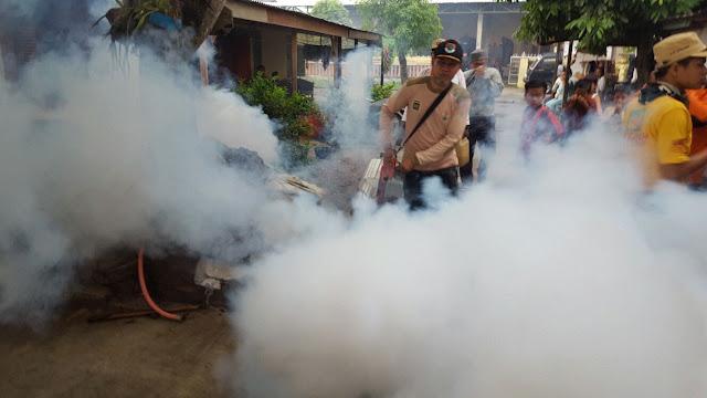 Ketua Fraksi PKS DPRD Medan Ini Terjun Langsung Lakukan Fooging