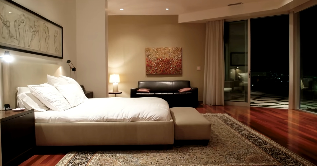 33 Interior Photos vs. 9305 Nightingale Dr, Los Angeles, CA Ultra Luxury Contemporary House Tour