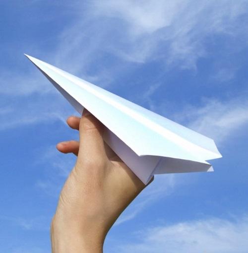 Avião de papel.