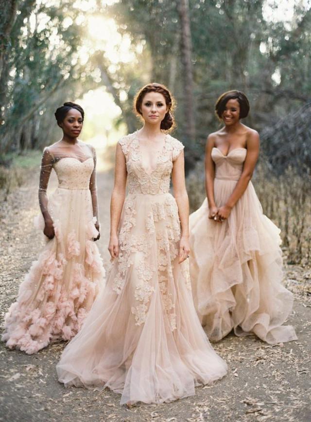 un choix de robes de mariée pastel par Vanessa Lekpa