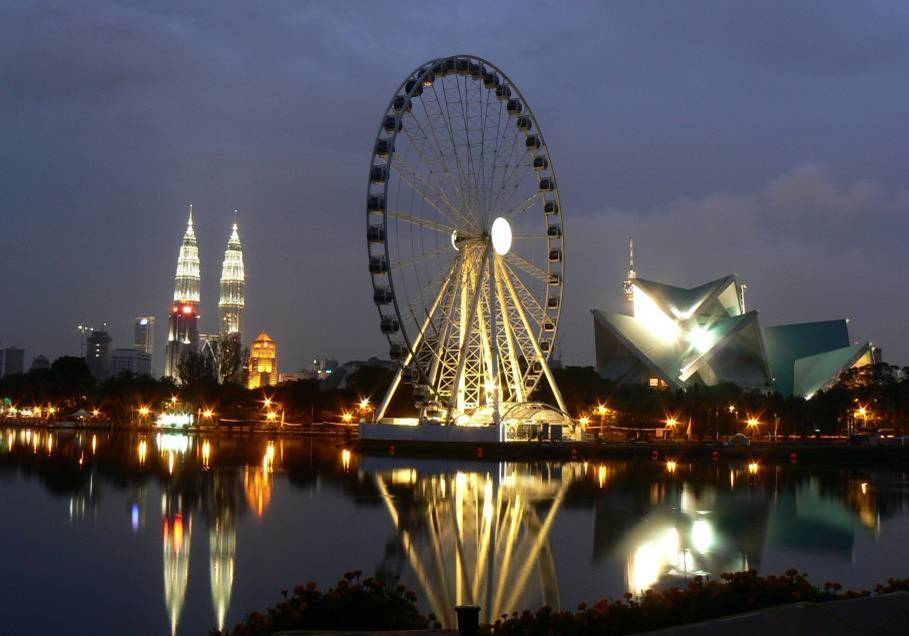 How To Enjoy Vacation with Family at Malaysia