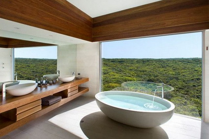 10 bathrooms with incredible views 10