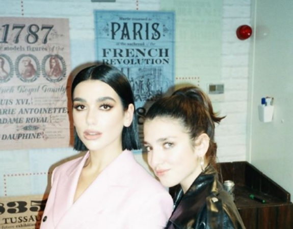 Motra e Dua Lipa, Rina signs for Nasty Gal