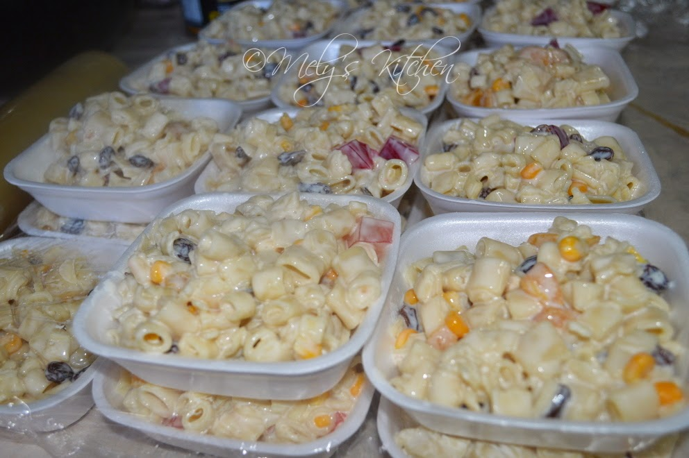 Sep 29,  · Filipino-style Macaroni Salad is a must for any party or celebration! Loaded with chicken, ham, cheese, and crushed pineapple, it's hearty, delicious, and a sure crowd favorite/5(64).