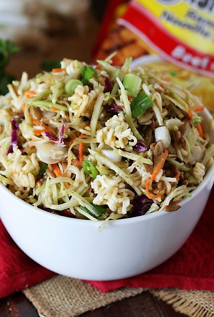 Asian Slaw with Ramen Noodles Image