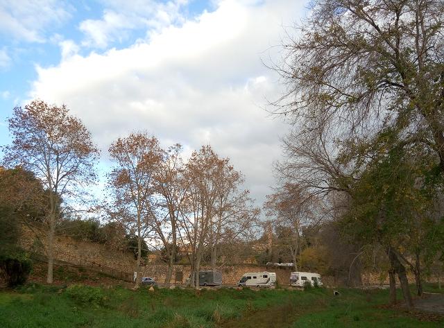 Riu Gaia i àrea d'autocaravanes, al Catllar