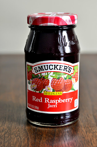 Smuckers-Seedless-Red-Raspberry-Jam-tasteasyougo.com