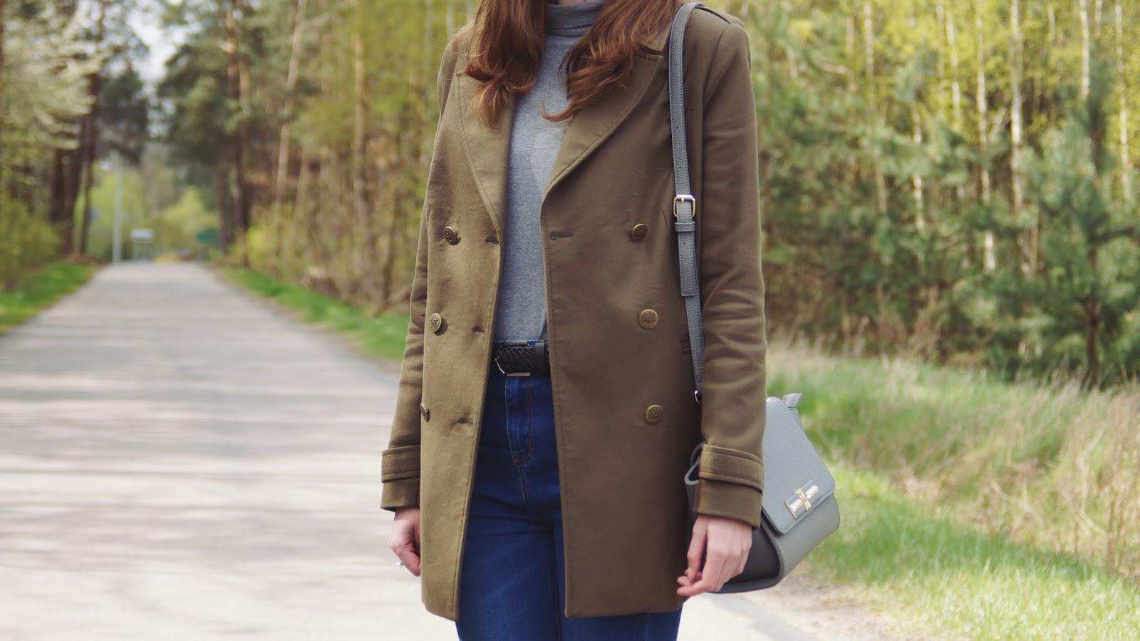 Czy wyglądam jak 23letnia kobieta? - stylizacja z khaki płaszczem