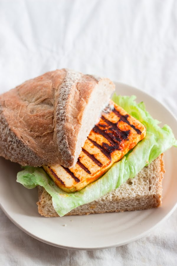 How to make tandoori paneer grilled cottage cheese sandwich recipe at www.oneteaspoonoflife.com