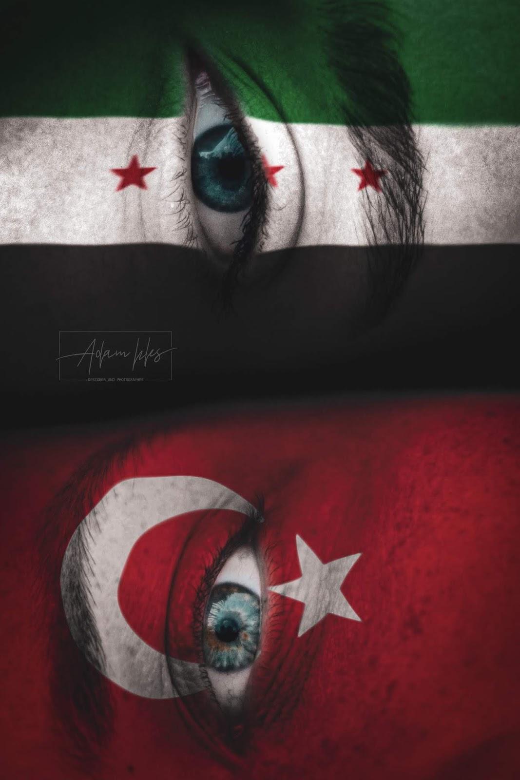 علم تركيا وعلم سوريا الحر