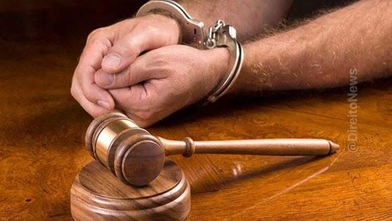 mandado aberto reu enfrenta juiz preso