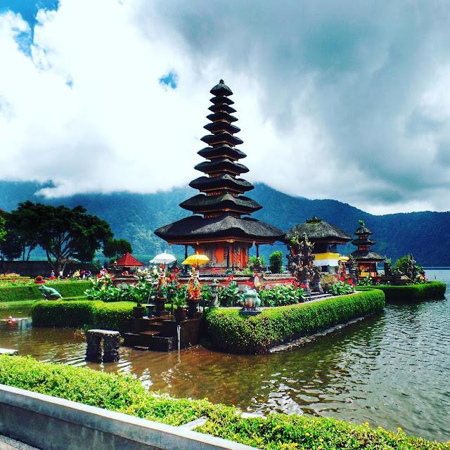 Tempat Wisata Pura Ulun Danu Bedugul Bali