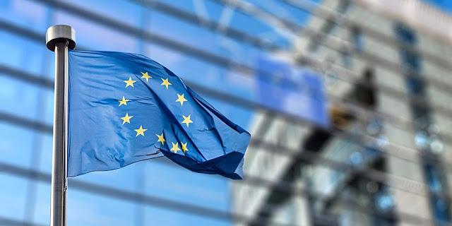 Economist: Η Ευρώπη... οπλίζει τα πιστόλια της