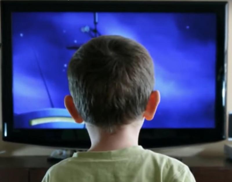 Televisi Merampas Dunia Anak