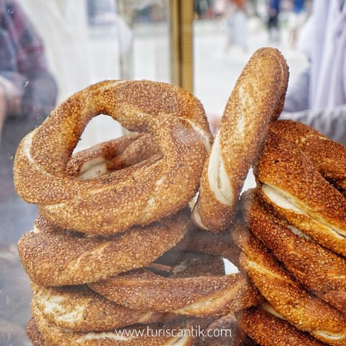 simit roti khas turki