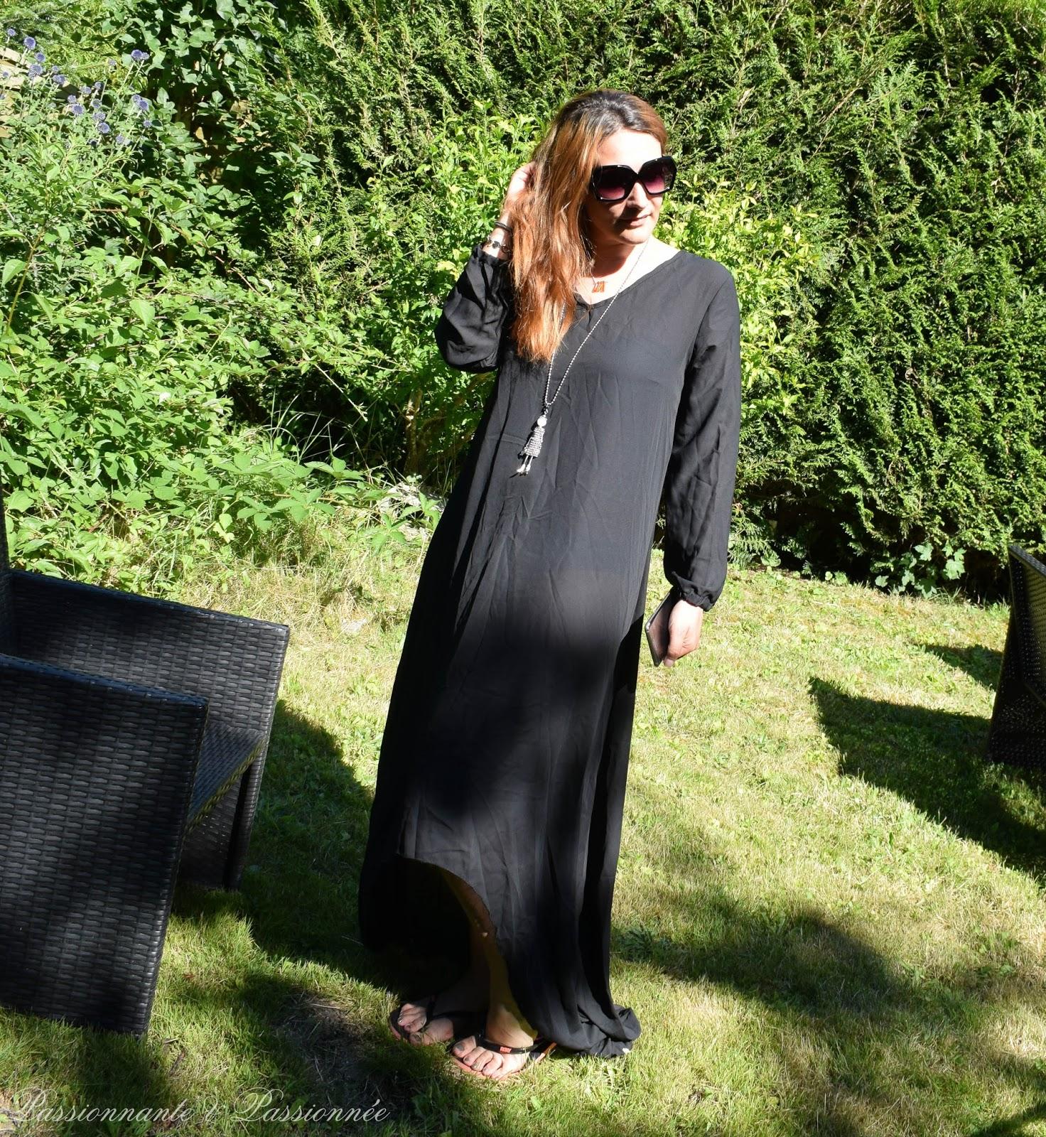 longue robe noire asymétrique