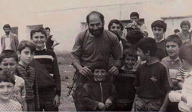 El 6 de octubre de 1990, Monte llegó a lo que entonces era la Armenia soviética