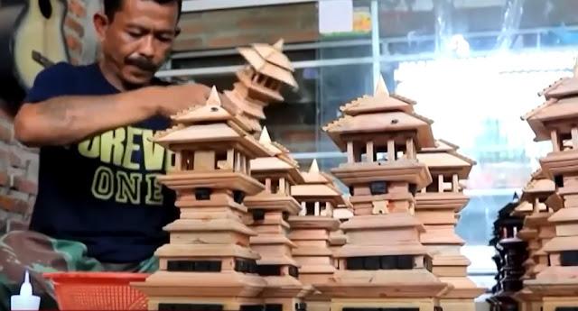 Miniatur Menara Kudus Haryanto