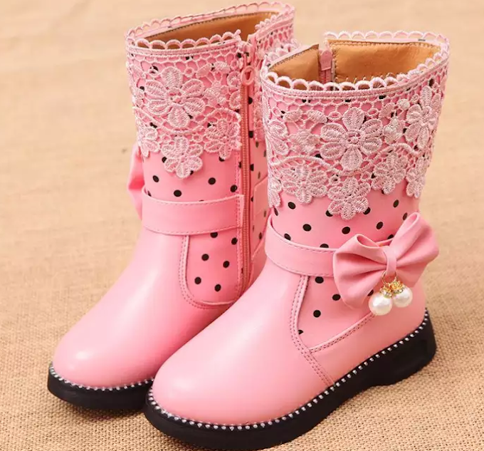 6 Rekomendasi Sepatu Boot Anak Terbaik Untuk Anda