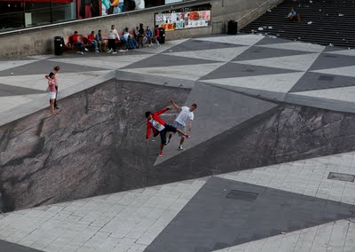 optical illusion sidewalk illusions chalk coolest ever cool 3d street amazing swedish easy painting erik awesome johansson crazy mind funny