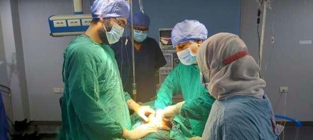 بالصور.. استصال ورم يزن 15 كيلو لمريضة بمستشفى الدلنجات المركزي