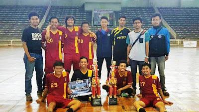Futsal Fisika Undip Juara 1 Math Cup Se-Jawa