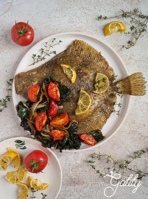 okragla-ryba-na-talerzu