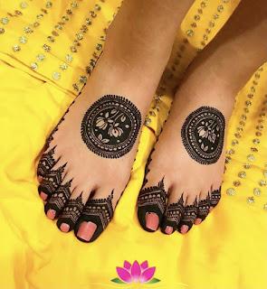 New simple mehndi design For legs