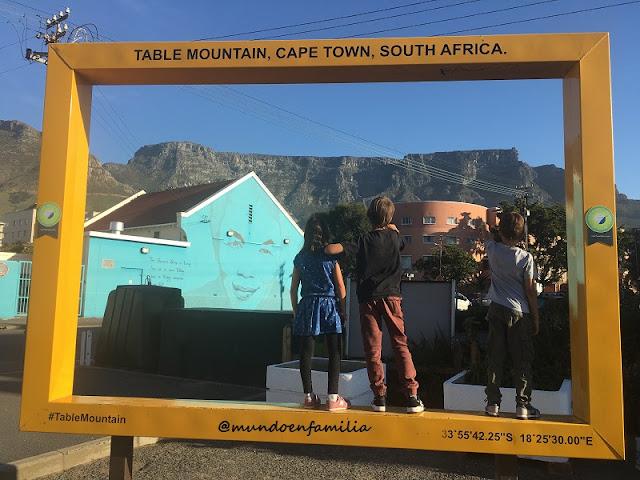 Vistas de la Table Mountain desde Charly's Bakery