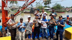 Antisipasi Kecelakaan Perairan, Sat Pol Air Polres Serdang Bedagai Cek Kelengkapan Keselamatan Berlayar Kapal Penumpang dan Kapal Ikan