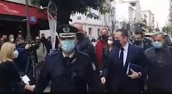 Κλιμακώνονται οι αντιδράσεις απέναντι στην αιφνίδια απόφαση να μην ανοίξει το Λιανεμπόριο σε Θεσσαλονίκη, Πάτρα και Κοζάνη. Στον απόηχο των ...