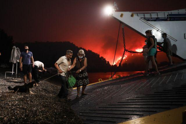 Φωτιά στην Εύβοια – «Δεν γίνεται να είναι πραγματικότητα, σαν ταινία μοιάζει»