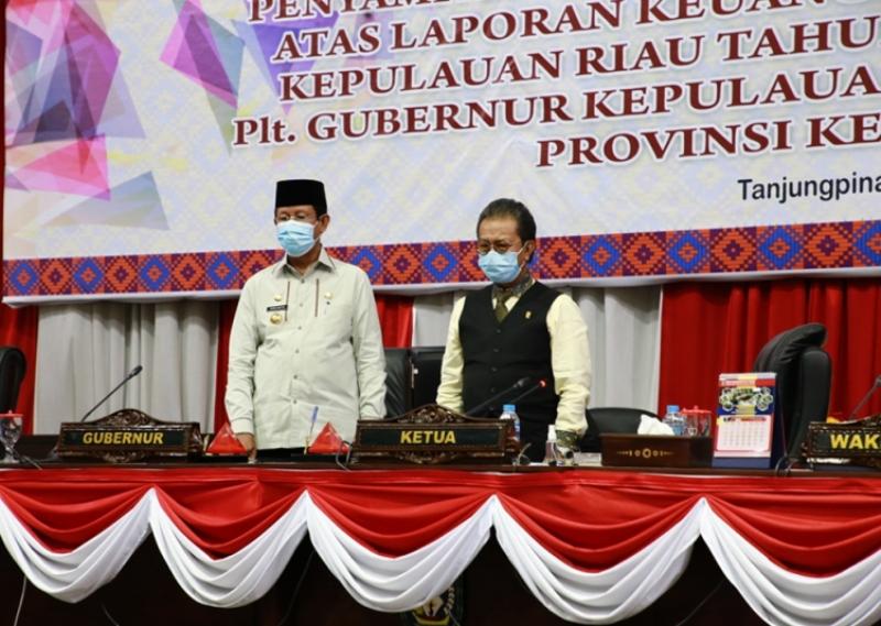 Jumaga Nadeak Pimpin Rapat Paripurna Penyampaian Laporan Hasil Pemeriksaan BPK-RI 2009