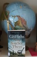 Kirjan takana karttapallo