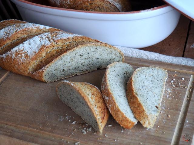 Pan de harina de trigo con masa madre y aromatizado con algas marinas
