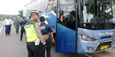 Operasi Lilin Krakatau 2019, Polres Bersama BNN Kabupaten Way Kanan Tes Urine Sopir Angkutan