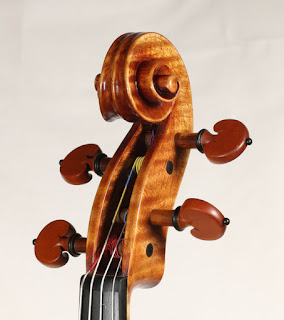 Copy of a Andrea Guarneri Viola Scroll by Nicolas Bonet Luthier - Volute d'un alto en copie de Andrea Guarneri par Nicolas Bonet Luthier